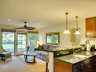 10% off the nightly rate 8/1-8/31 Aina Nalu D109!, Lahaina