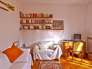 Lovely 1bdr apt with terrace, Rome