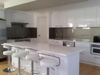 New 4 bedroomed two lounge modern bright  home, Perth