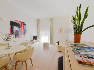Ermete - Modern, bright 2bdr in center Palazzo Banchi, Bolonia