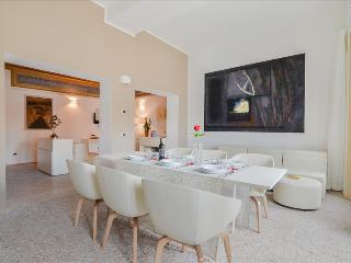 Garisenda - Ample 3 bdr apt in the city center Palazzo Banchi, Bolonha