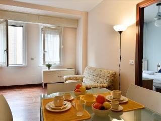 Bright 1bdr close to Piazza Gambara