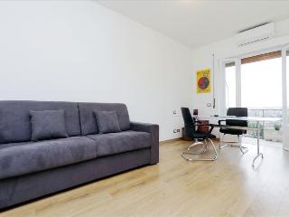 Modern 1bdr apt with balcony, Rome