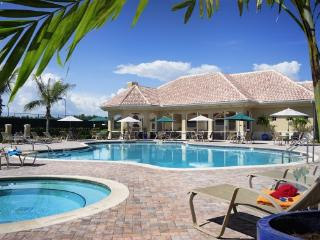 Beautiful Bonita Condo - Worthington Golf Club, Bonita Springs