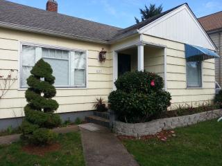 Liebe Guesthouse near Eastport Plaza, SE Portland