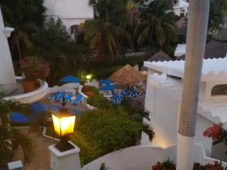 Maravilloso estudio junto al hotel Las Hadas, las mejores vistas de Manzanillo