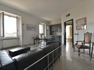 Splendid 2bdr in Porta Romana area