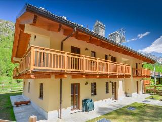 1bdr with views of the Alps
