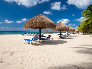 Beachfront Paradise Casa de Case Cozumel