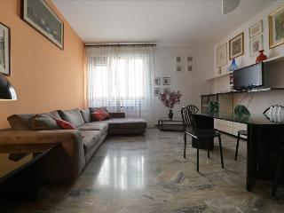 Spacious 3bdr close to the old town