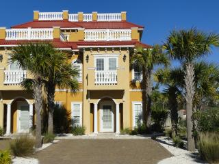 Luxury Town Home With Gulf Views!, Panama City Beach