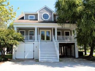 Bethany Beach - 3 1/2 blocks to Beach - sleeps 12