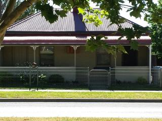Browncoat Cottage, Mudgee.