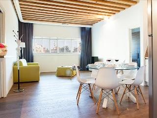 Modern and bright 2bdr apartment in Venice!