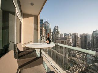 Pure luxury - Marina duplex condo fully renovated