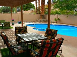 Opal Oasis - 40ft Pool with Diving Board! Luxury Amenities 4 Bedroom/3 Bathroom Home ~ RA63624