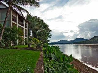 Balcony Suite with view of Mekong river