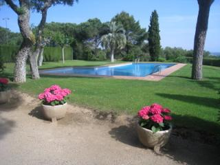 Confortable Ground floor with see view and pool, Calella de Palafrugell