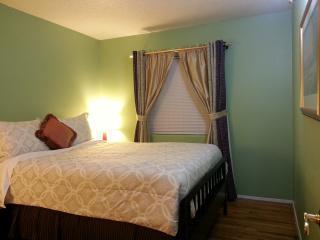 BR 3 has Cool Gel Memory Foam Queen Bed, Egyptian cotton sheets, desk & chair, nightstands & lamps.