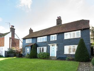 Beautiful period cottage -inglenook,fabulous views, Winchelsea