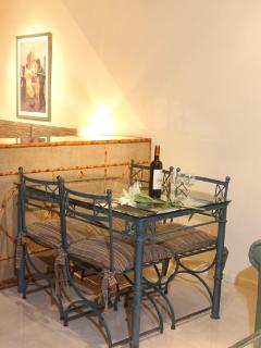 Dinning space for 4 guest