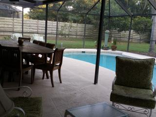 Family Home, Heated Pool. 10 mins to #1 US Beach
