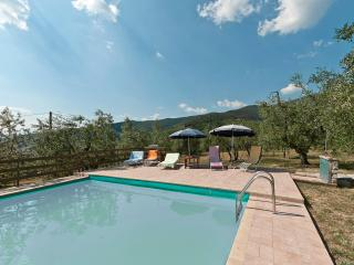 La Fortezza up to 6 sleeps with pool and A/C