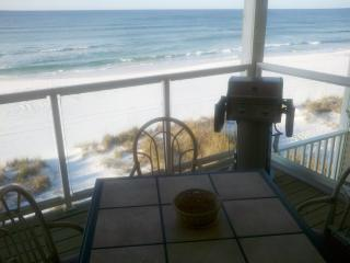 Sticks in the Sand 2A, Oceanfront 2 Bedroom 2.5 Bath Sleeps 4-8