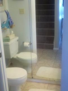 1/2 bath off the living room