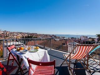 Estrela Terrace Apartment | RentExperience, Lisbon