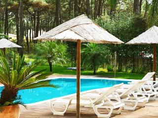 Modern Apartment with pool, Aroeira, Charneca da Caparica