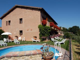 Bilocale con piscina a San Gimignano, Pancole