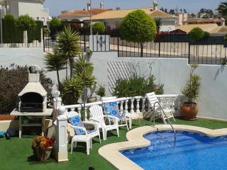 Spacious 5 bedroom property in La Marina Urb