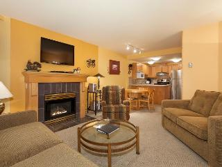 Woodrun Lodge #214 |  1 Bedroom + Den Ski-In/Ski-Out Condo, Shared Hot Tub, Whistler