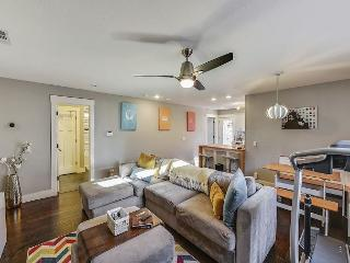 Step Inside our East Austin Home w/Parking and Yard, 5 minutes from Downtown