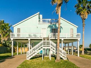 3BR Key Allegro Renovated Home close to water w/stunning Bay Views - Sleeps 6, Rockport