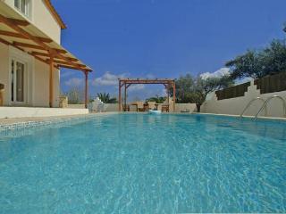 Villa Mari - lovely holiday villa & swimming pool, Zakynthos Town