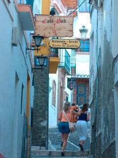 Calle típica en casco urbano Almuñecar