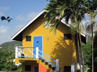 Buttercup Cottage Apartment Hibiscus 1 Bedroom