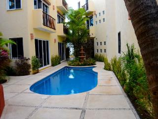 2 BR condo center and close to the Beach  PMORELOS, Puerto Morelos