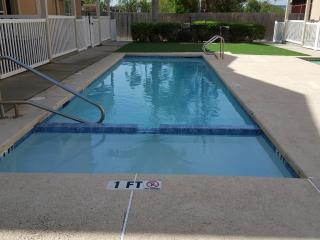 The pool. Has a kiddie pool section of 1ft.