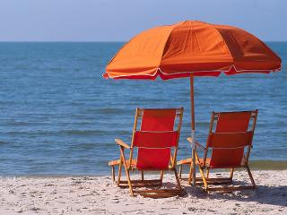 Best of the Sanibel beach - Direct water views!, Sanibel Island