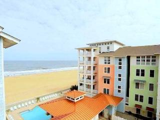 Penthouse Paradise 402 A - Sleeps 8!! *Penthouse Ocean view AND Bay view Condo!*, Virginia Beach