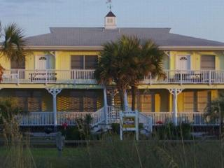 Adorable Beach Condo, St. George Island
