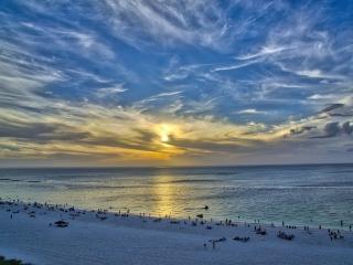 Spend summer in Beachfront Relaxing 2 bed/2bath, Isla Marco