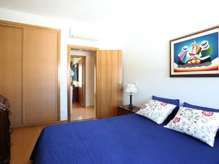 Two-bedroom apartment with good areas at Nazaré, Nazare