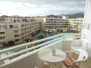 Studio Apartment with Pool, near Amenities, Golf del Sur