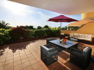 Stunning 2 bedroom apartment with a pool 00103, Los Gigantes