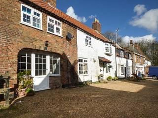 CLEMATIS COTTAGE, mid-terrace, WiFi, enclosed garden, close to river and