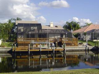 """CAPETOWN""  SW CAPE CORAL LARGE WATERFRONT POOL HOME 15 MIN TO GULF BY BOAT"